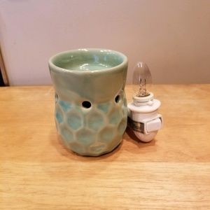 Candle Warmers, Etc. Pluggable Fragrance Warmer